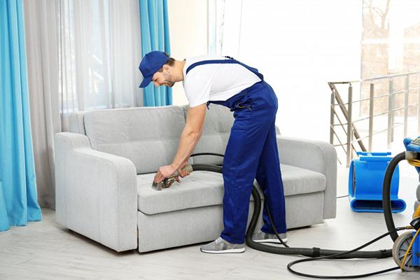 Химчистка диванов на дому в Киеве