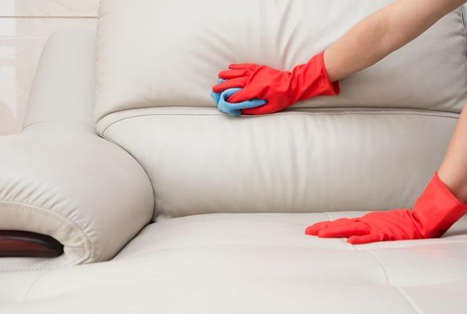 Чищення м'яких меблів на дому і в офісах від компанії «Profclean»