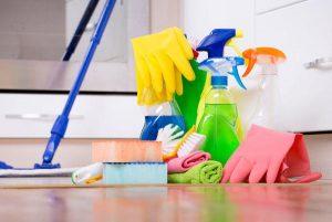 Прибирання будинку: як часто його проводити?
